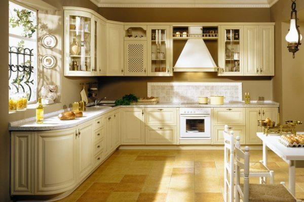 кухонные классические гарнитуры
