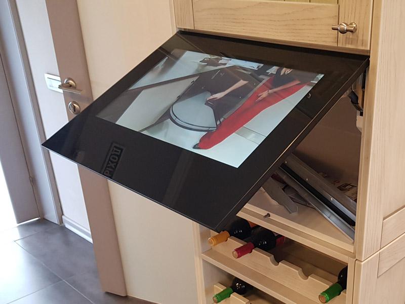 televizor-dlya-kuhni-s-ekspozicii-za-23-900-rubley11