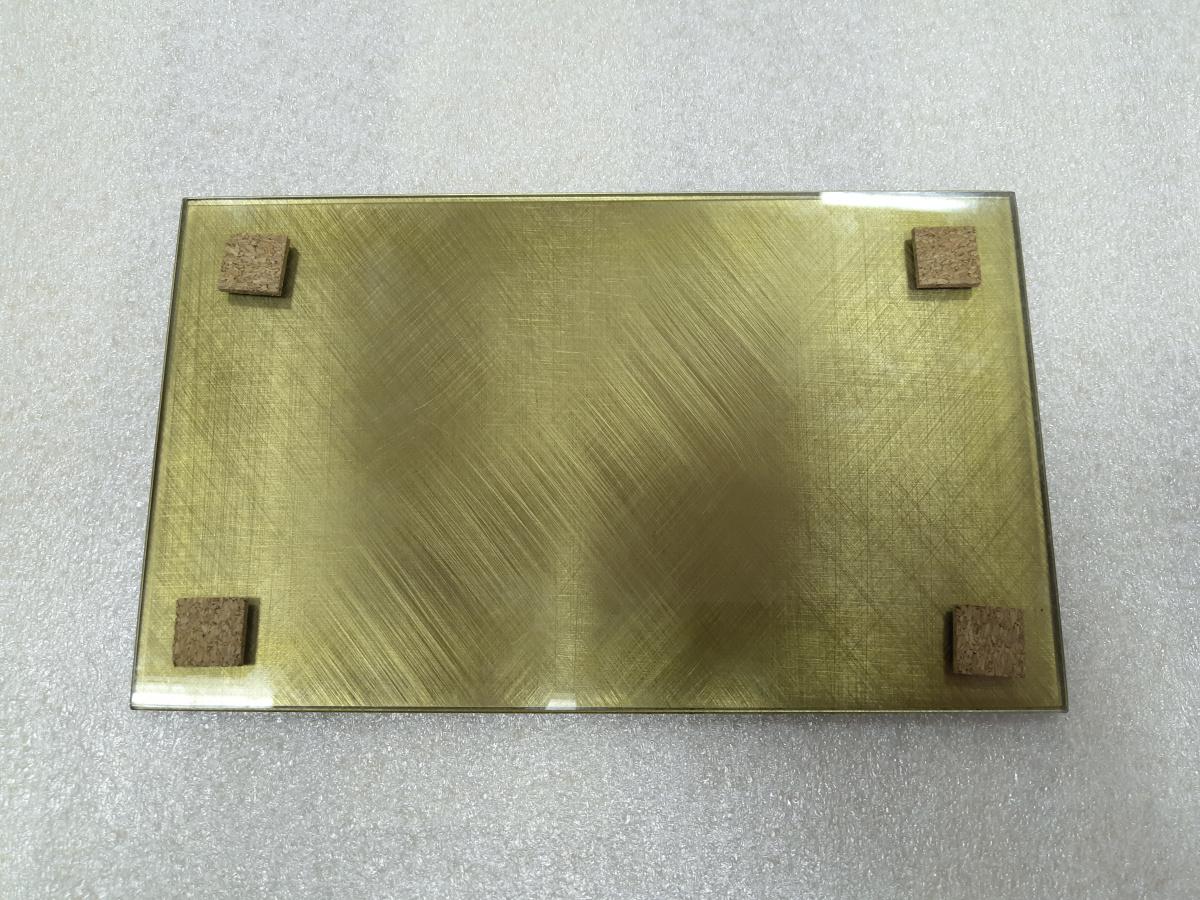 стекло с пластифицированным металлом